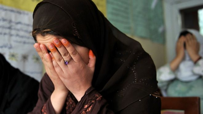 چرا خودکشی در میان زنان افغانستان متداول است؟