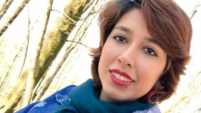 صبا کرد افشاری به خاطر اعتراض به حجاب اجباری به 24 سال زندان محکوم شد