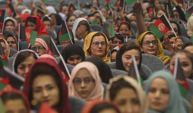 روایت این سه زن از میانه تسلیم به طالبان و تابآوری: چه به سرمان میآید