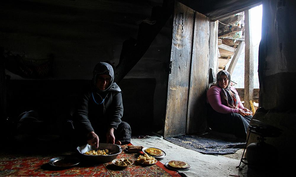 کار خانگی بدون مزد و تکراری
